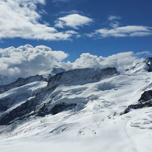 Jungfraujoch by Sue Shaw, scored 19