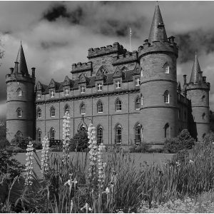 Inveraray Castle by Sue Riley, scored 14