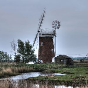 Horsey Barns Wind Pump by Sue Riley, scored 15