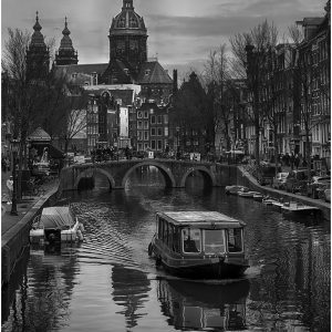 Avoiding the Crowds, Amsterdam by Lesley Davidson, 16